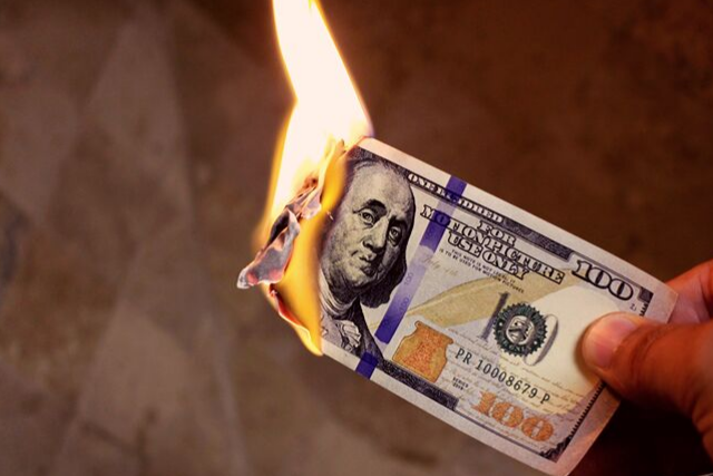 5 toxic attitudes about money that are holding you back from success